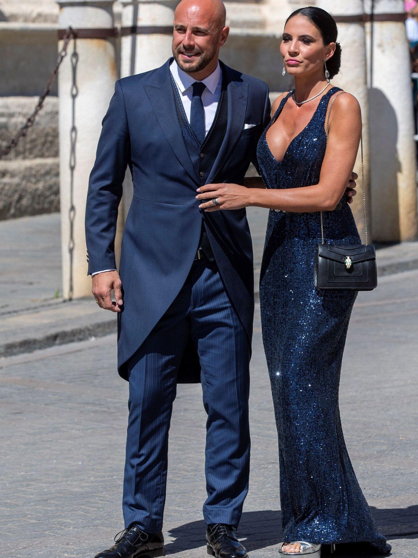 Pepe Reina y su pareja, Yolanda Ruiz. (EFE)