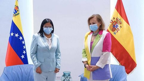 La 'numero dos' de Exteriores se reúne con Delcy Rodríguez y Jorge Arreaza en su visita a Caracas