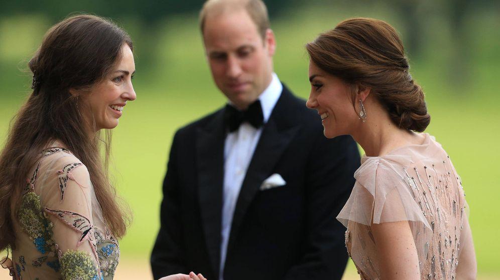 Foto: Los duques de Cambridge con su, hasta ahora, amiga, Rose Cholmondeley, en 2016. (Getty)