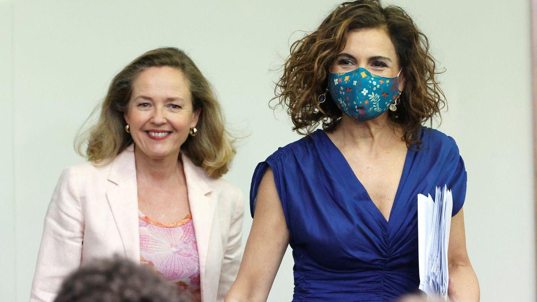 Foto: La vicepresidenta primera, Nadia Calviño, y la ministra de Hacienda y Función Pública, María Jesús Montero. (EFE)