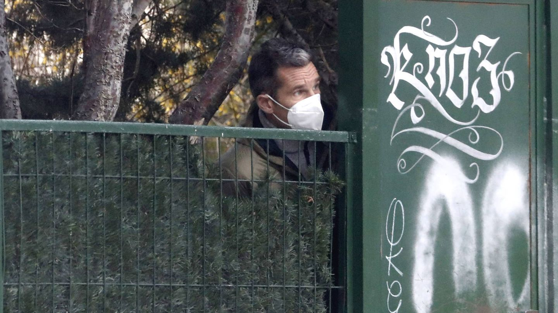 Iñaki Urdangarin sale de casa de su madre en Vitoria. (ContactoPhoto)