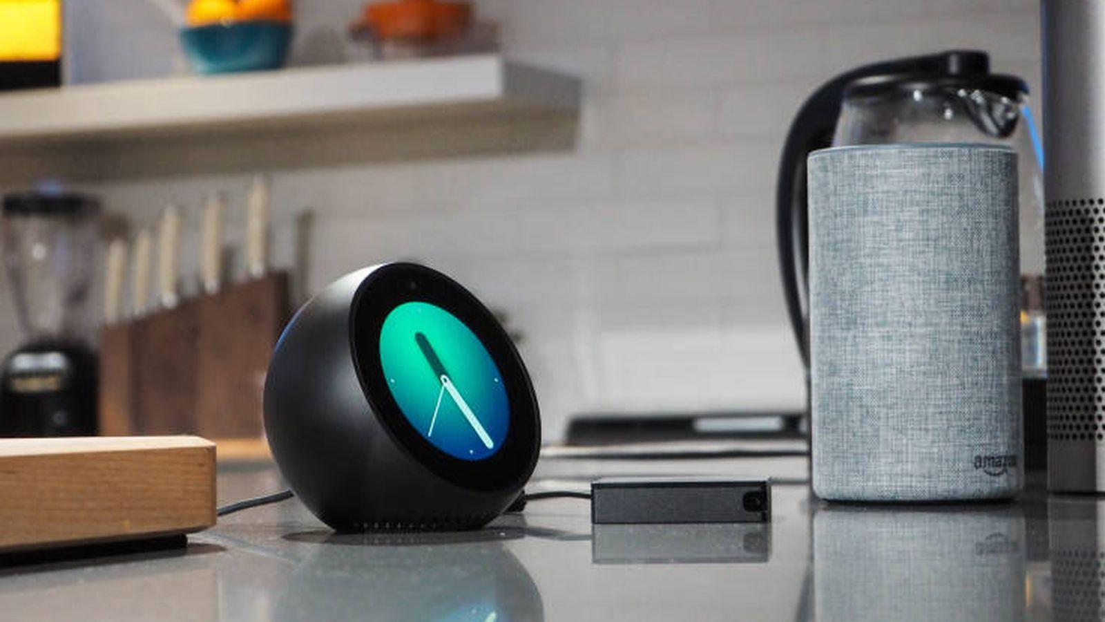 Foto: Vista del nuevo Echo Dot y la versión más pequeña del Amazon Echo. (Amazon)
