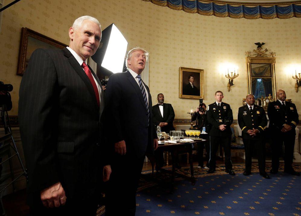 Foto: Donald Trump junto al vicepresidente Mike Pence durante una recepción en la Casa Blanca, en Washington (Reuters).