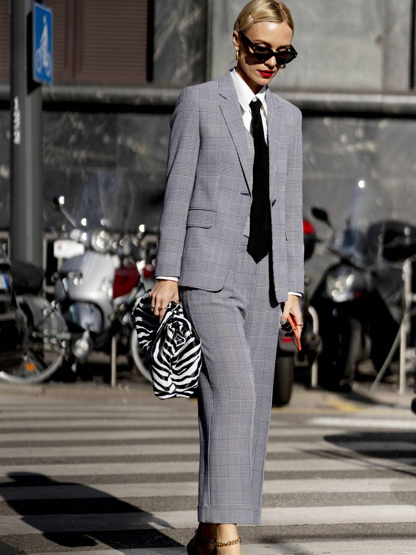 Una insider con traje y corbata. (Imaxtree)