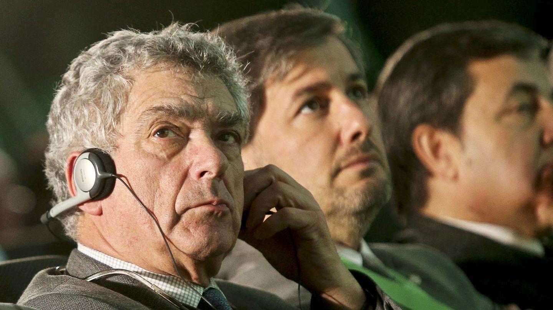 De Carvalho, con Villar. (EFE)