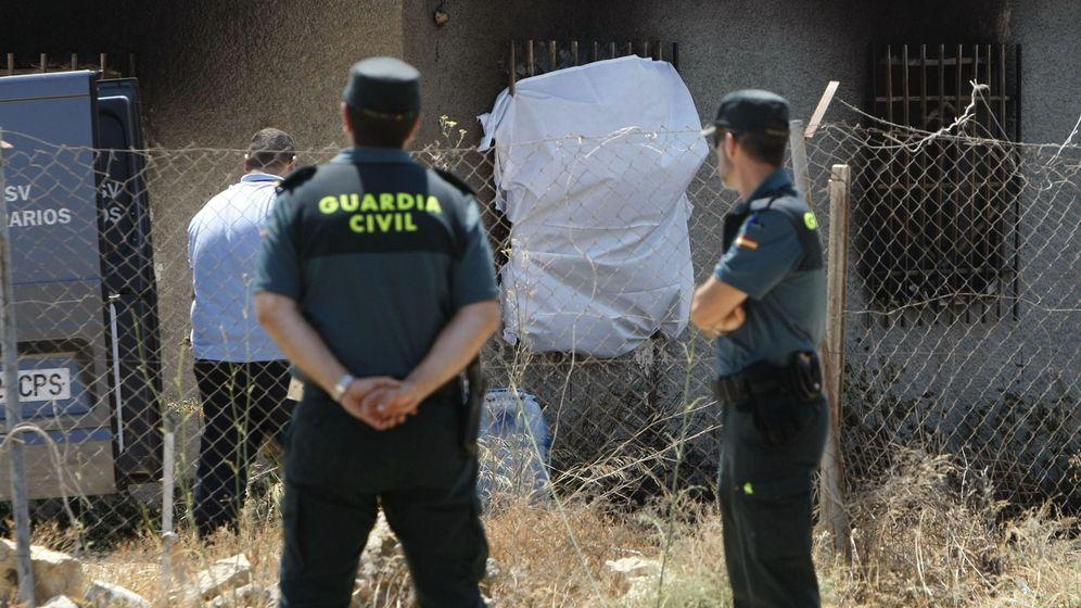 Foto: Agentes de la Guardia Civil de Villajoyosa (Alicante). (EFE)