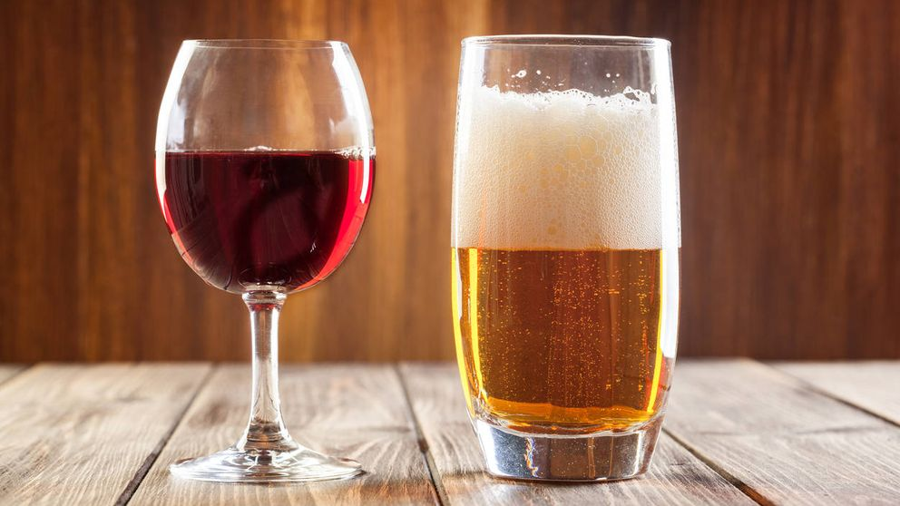 El truco viral de una joven inglesa para enfriar rápidamente el vino o la cerveza