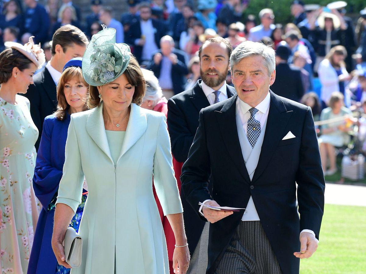 Foto: Carole y Michael Middleton, en la boda de Meghan y Harry. (Reuters)