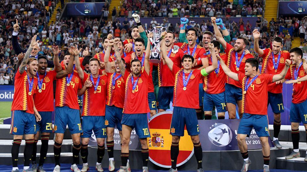 Foto: La Selección española Sub-21 celebrando el triunfo. (EFE)