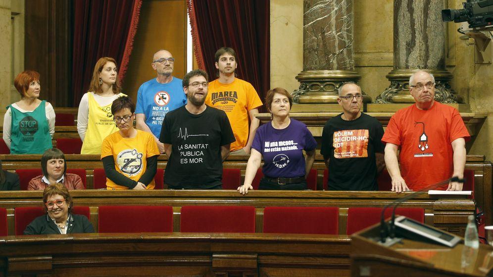 Foto: Los diputados de Catalunya Sí que es Pot en el Parlamento el día que se votó la ratificación del 9-N tras su anulación por parte del TC. (EFE)