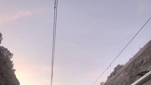 Una maquinista muerta y casi 100 heridos en un choque de dos trenes en Barcelona