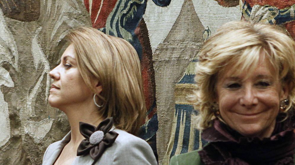 Foto: La secretaria general del PP, María Dolores de Cospelda, y la presidenta del PP de Madrid, Esperanza Aguirre, en una imagen de archivo. (EFE)