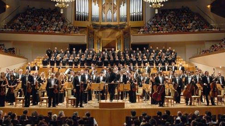 Imagen de archivo del coro y la orquesta nacional