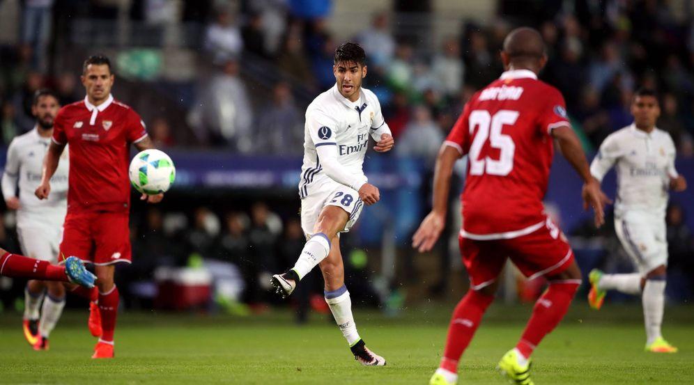 Foto: Marco Asensio en el momento de impactar el balón para marcar un gol de categoría superior en la final de la Supercopa de Europa (Cordon Press)