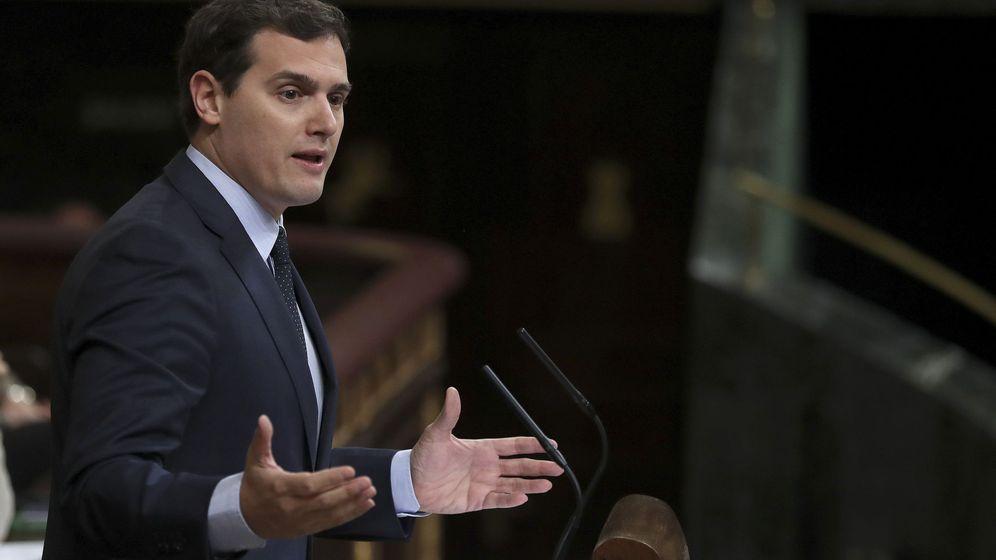 Foto: El líder de Ciudadanos, Albert Rivera, durante una intervención en el pleno del Congreso. (EFE)