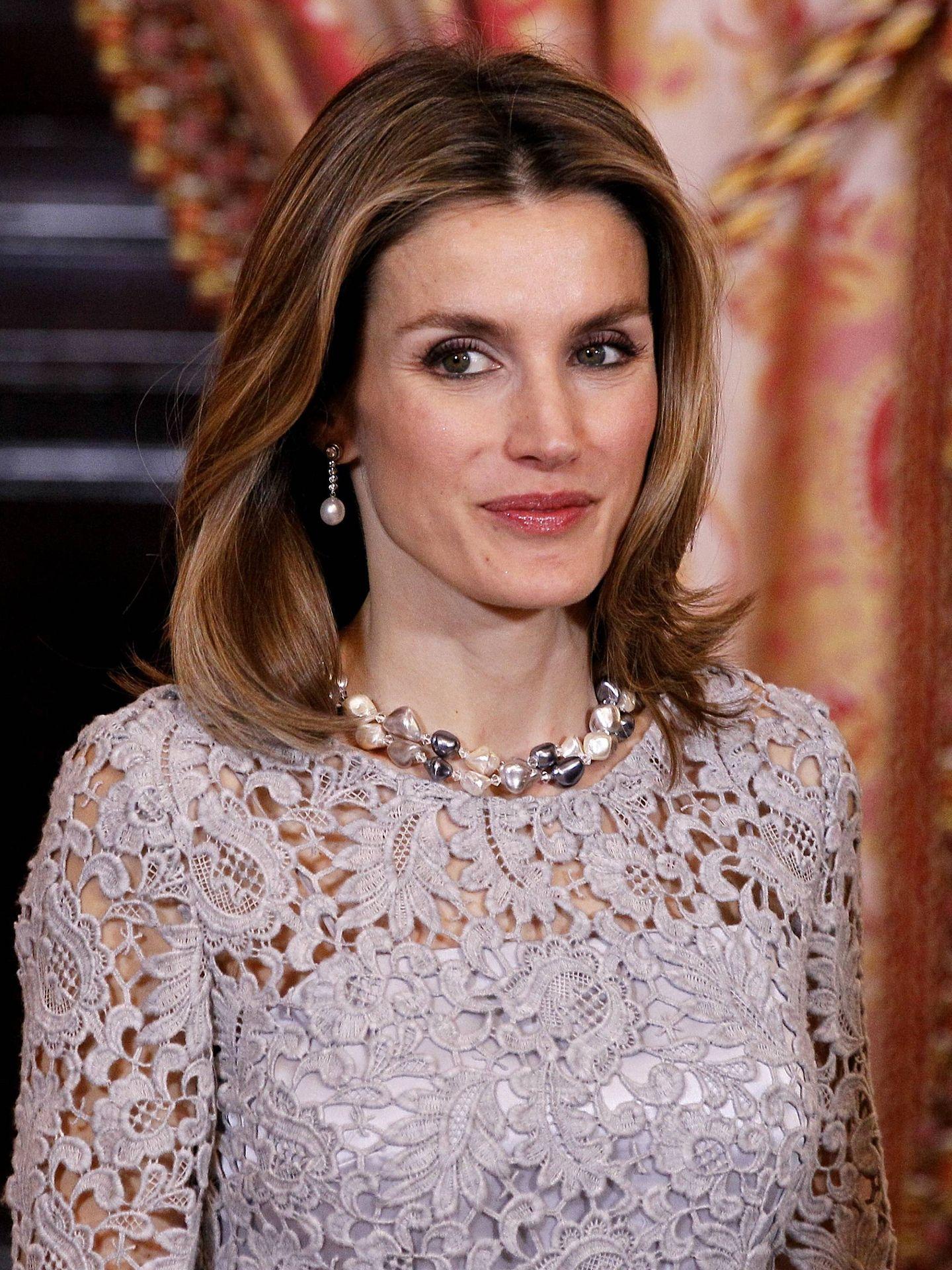 La reina Letizia, luciendo perlas. (Getty)