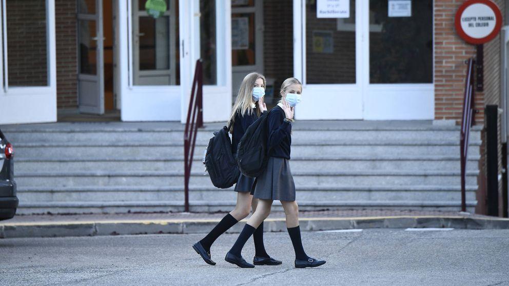 La infanta Sofía protagoniza su vuelta al cole junto a Letizia y Leonor