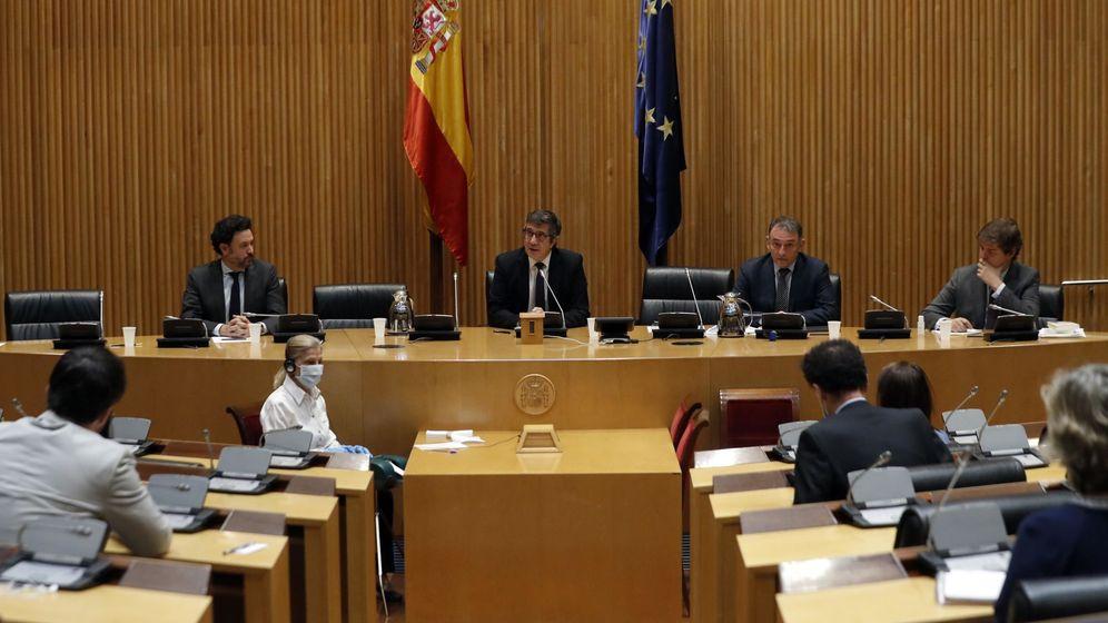 Foto: Constitución de la Comisión para la Reconstrucción Social y Económica. (EFE)