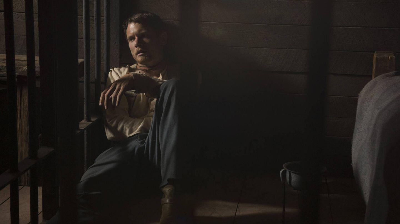 Jack O'Connell en el papel de Roy Goode.