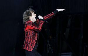 Mucho de agua y mucho chándal en el camerino de los Rolling Stones