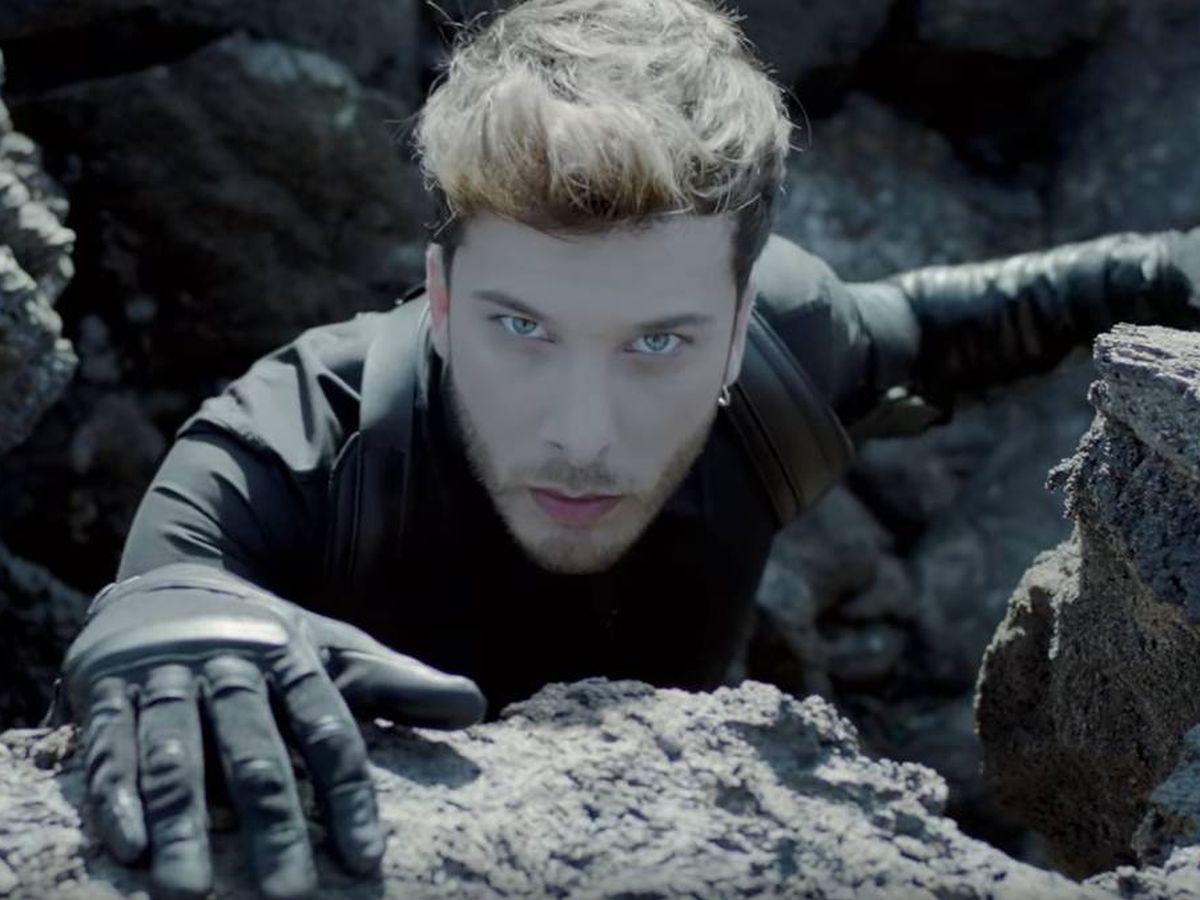 Foto: Blas Cantó, en una imagen del videoclip de 'Universo'. (TVE)
