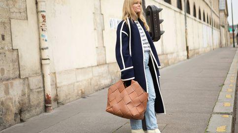 Vuelven los bolsos XL por cortesía del street style y esta vez sí querrás llevarlos