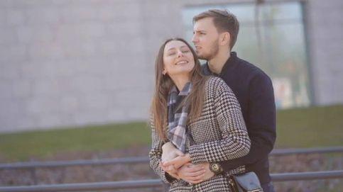 Un abrazo es el gesto favorito para el 93% de las españolas