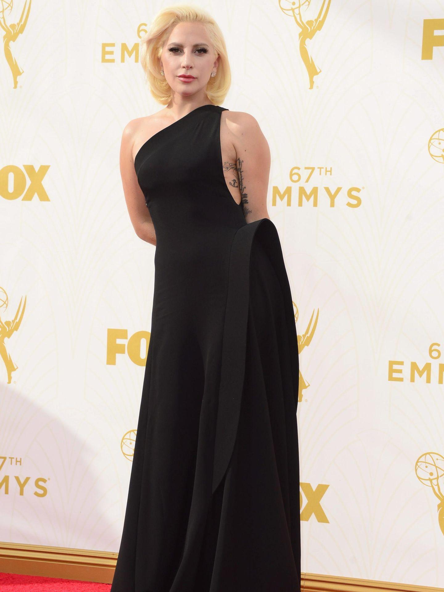 Lady Gaga en los Premios Emmy 2015. (EFE)