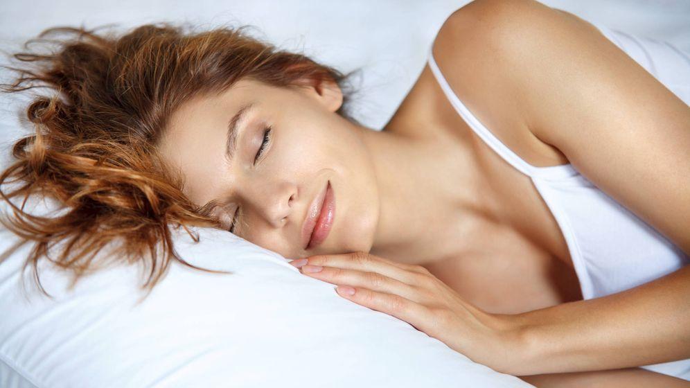 Foto: Aunque duermas, tu cuerpo sigue necesitando nutrientes y, por lo tanto, vas a perder peso. (iStock)