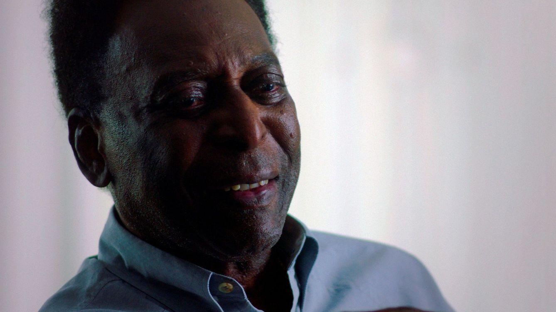 Pelé recibe el alta hospitalaria después de una operación para extirparle un tumor del colon