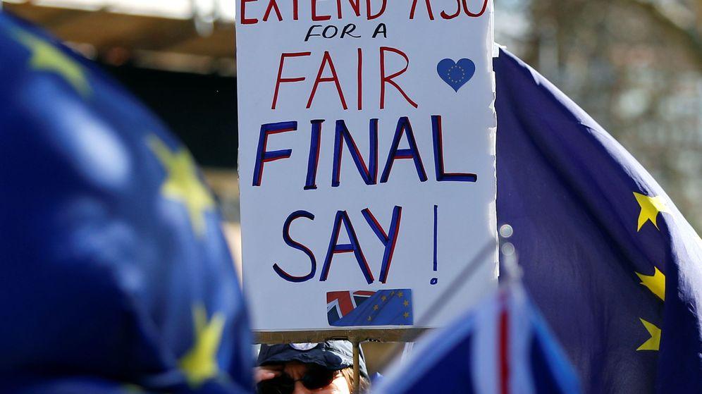 Foto: Protesta anti Brexit a las afueras del Parlamento británico. (Reuters)