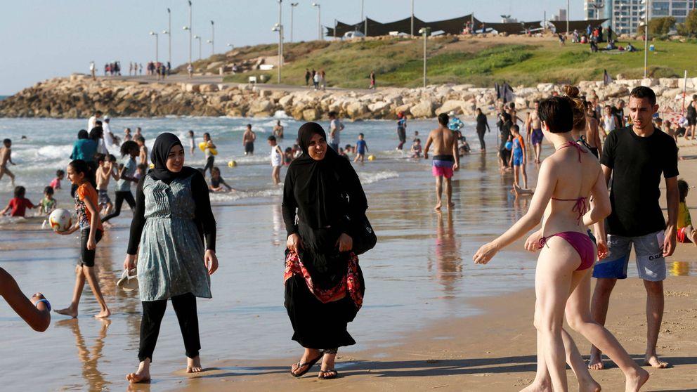 Multan a tres mujeres en Cannes por usar burkini