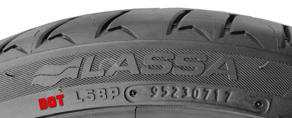 Foto: El truco para saber si las ruedas que te están poniendo en el taller son nuevas o viejas. (CC/Wikimedia Commons)