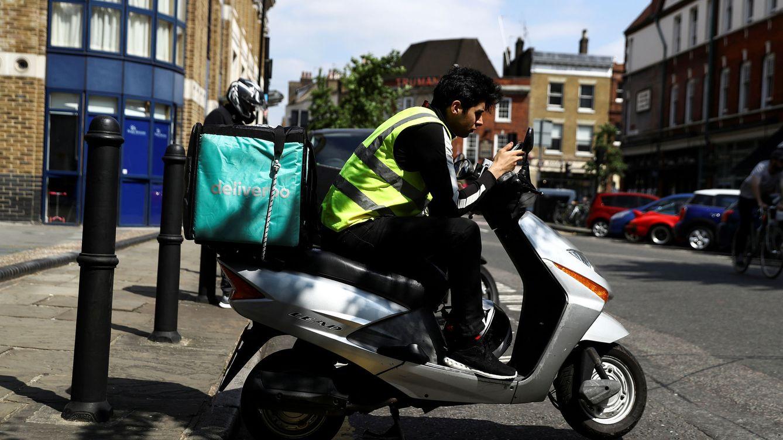 El TSJM da la razón a 532 'riders': sentencia que son falsos autónomos de Deliveroo