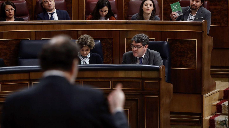 Mariano Rajoy y Pablo Iglesias, el pasado 21 de febrero en el Congreso. (EFE)