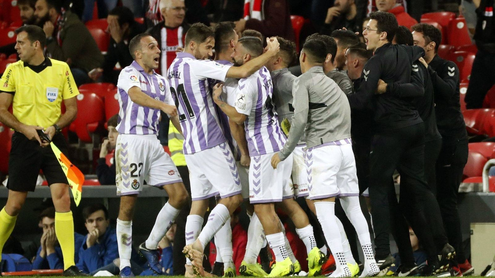 Foto: Jugadores del Valladolid celebran un gol. (EFE)