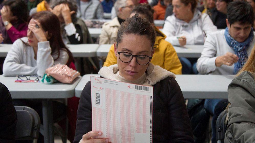Foto: Más de 10.000 personas se habían inscrito para realizar el examen (EFE/Mariam A. Montesinos)