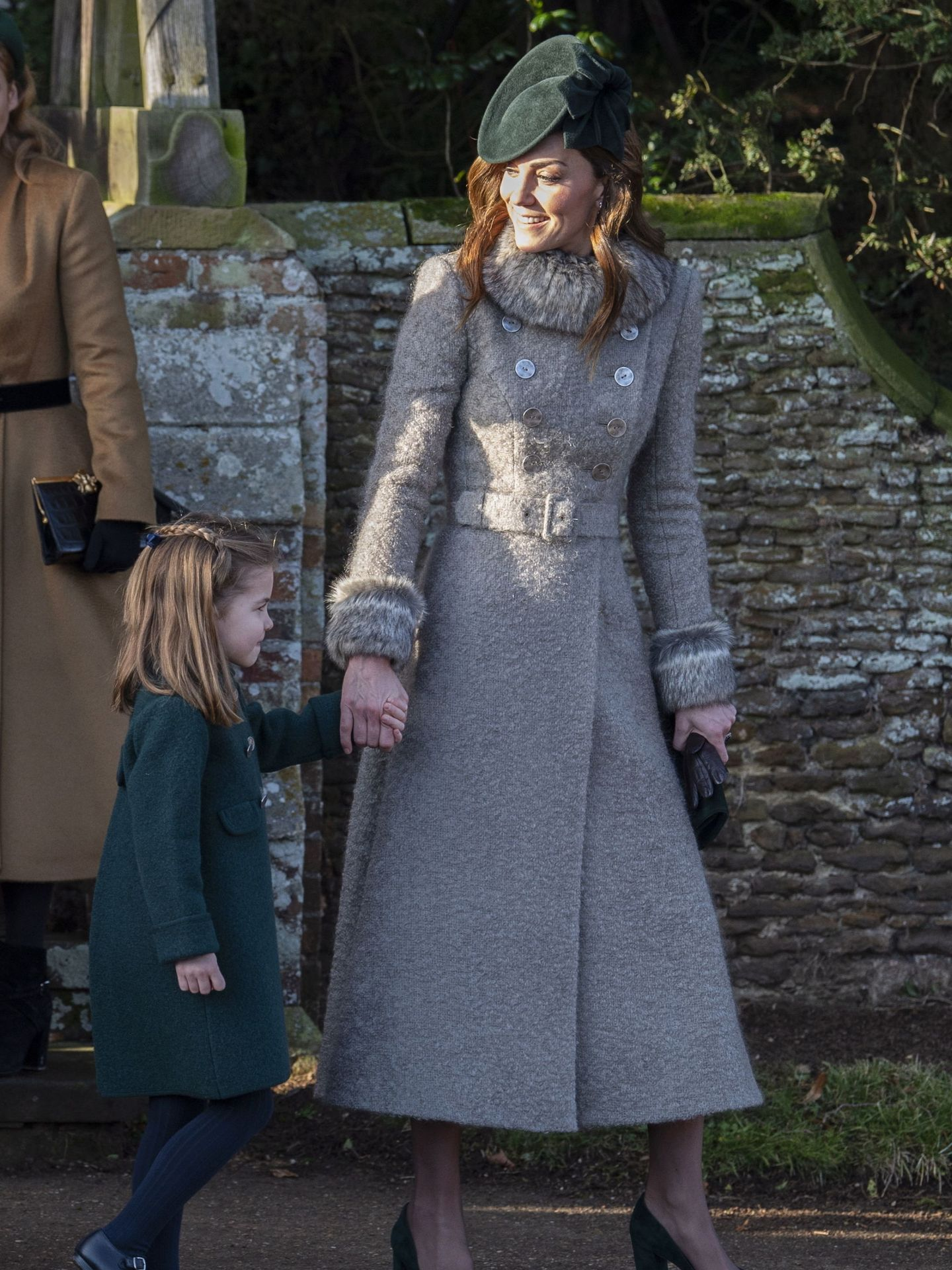 Kate Middleton y su hija, la princesa Charlotte, en diciembre de 2019. (EFE)
