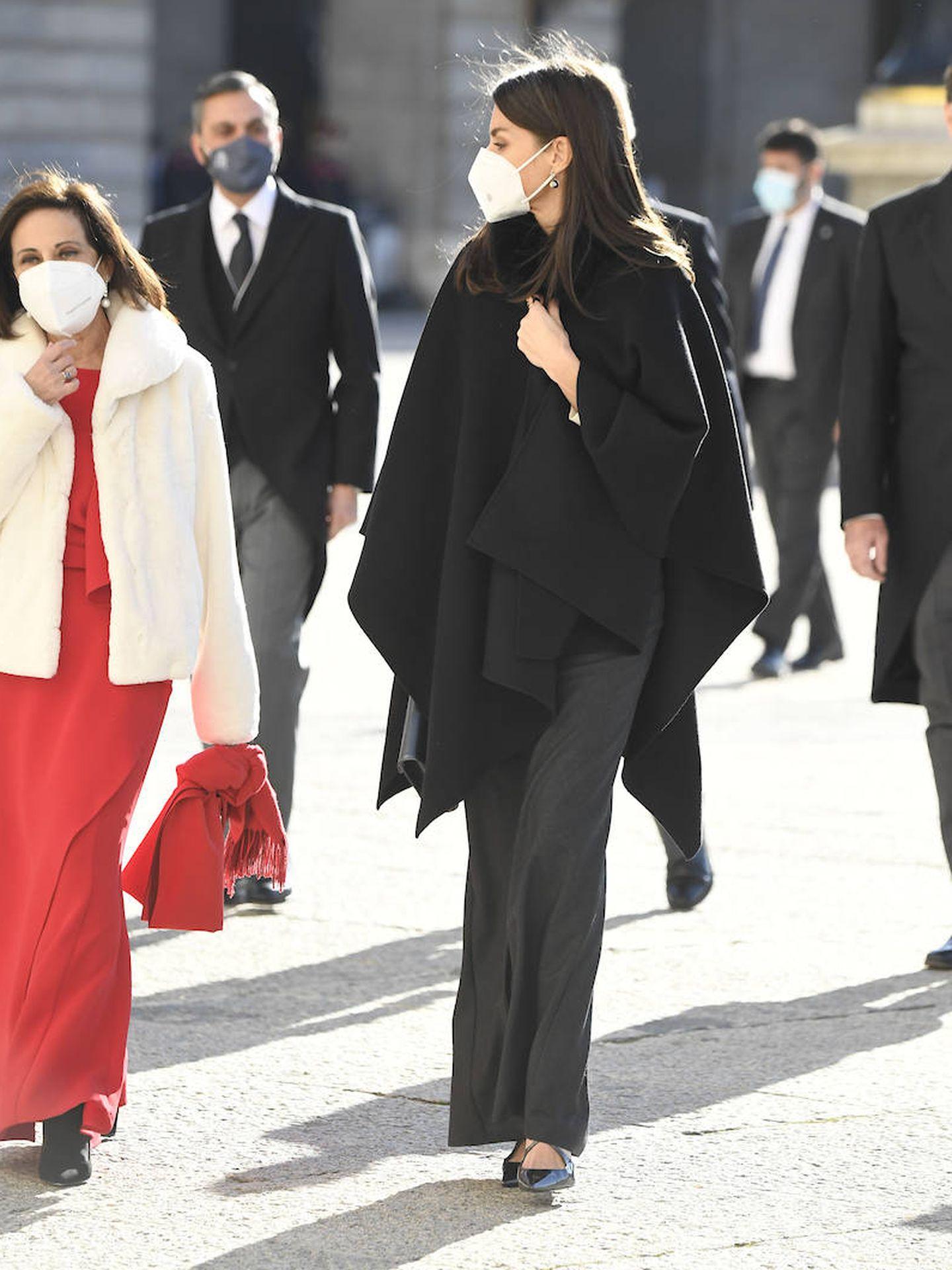 Letizia, junto a Margarita Robles. (Limited Pictures)