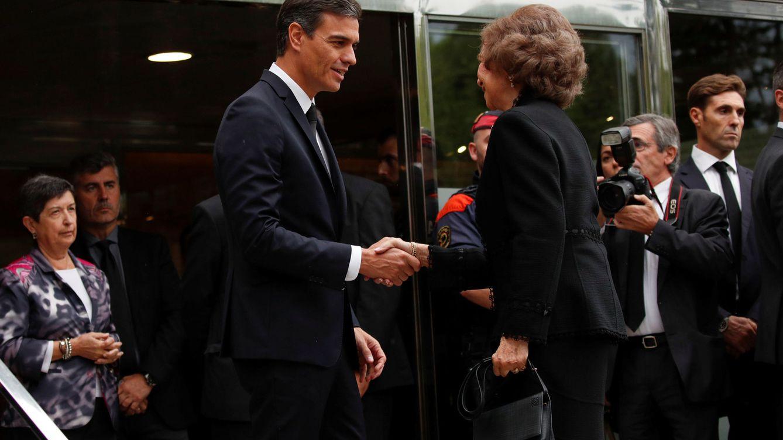 Foto: El presidente del Gobierno junto a la reina Sofía.(REUTERS)