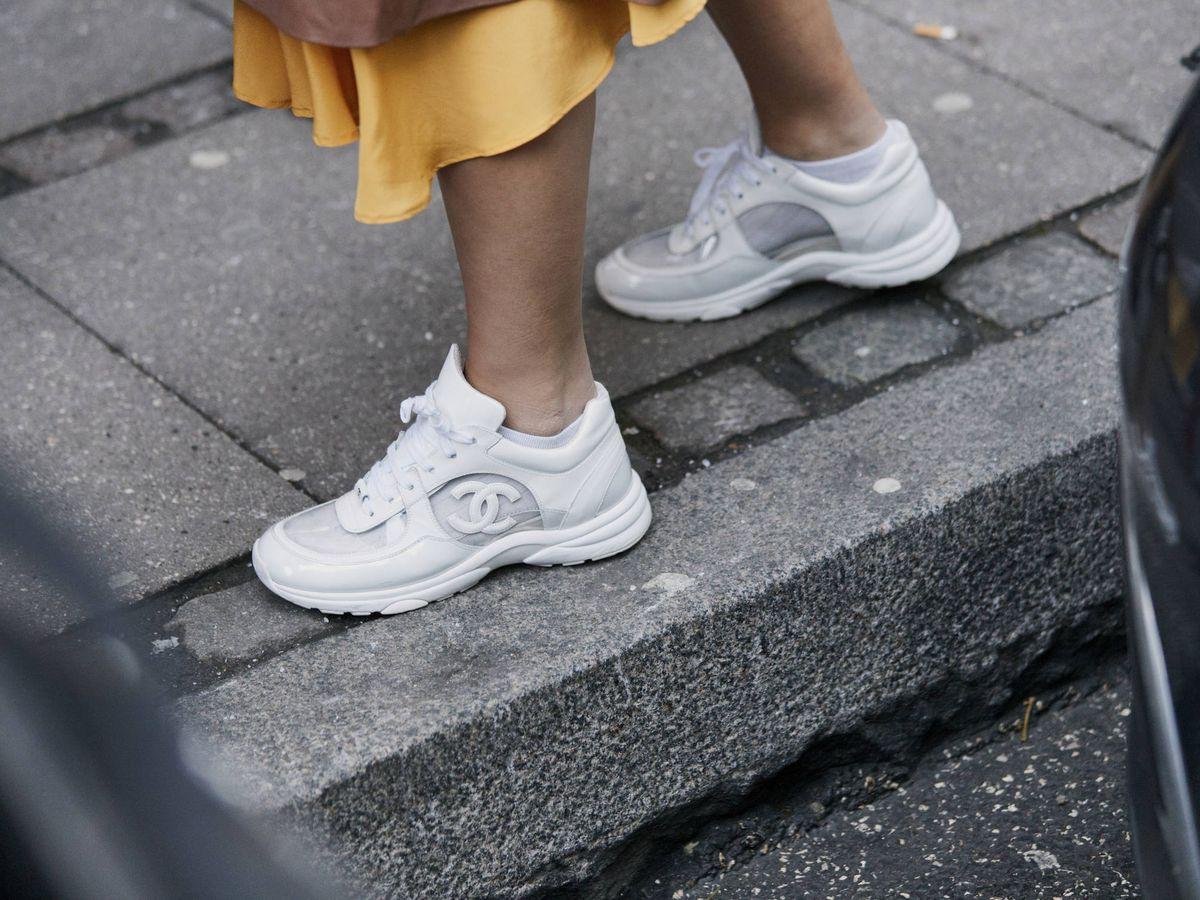Foto: En Asos tienen las zapatillas deportivas que más triunfan sobre el asfalto. (Imaxtree)