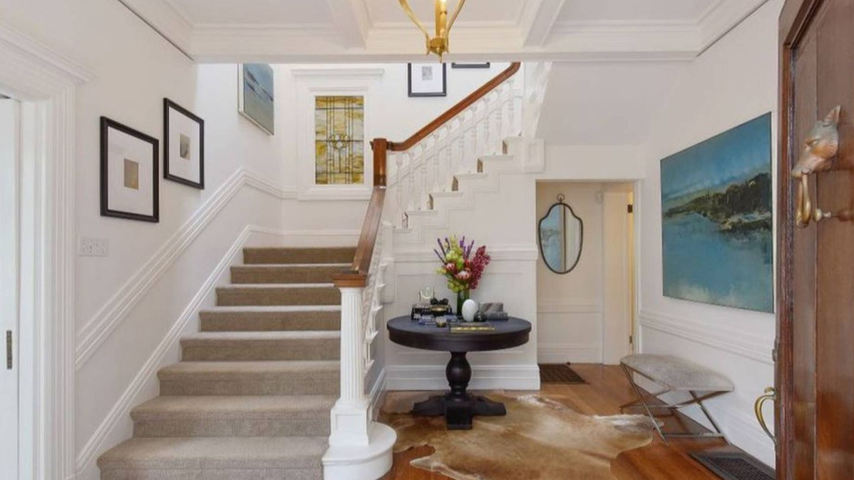 La entrada de la mansión de Julia Roberts. (Realtor.com)