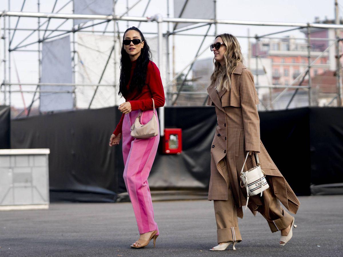 Foto: Dos prescriptoras de moda con zapatos de tacón sensato. (Imaxtree)