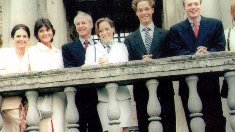 Cecilia, con sus hermanos y sus sobrinos. (Asociación 16 de Abril)