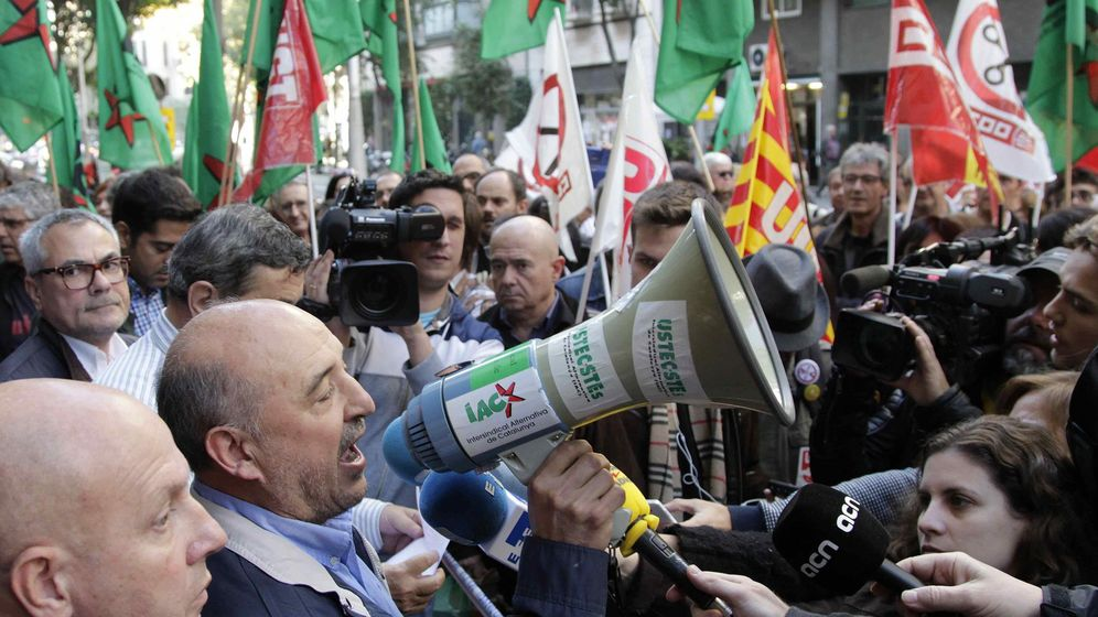 Foto: Protesta de funcionarios de la Generalitat en 2015. (EFE)