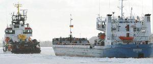 Medio centenar de barcos encallan en el Báltico por el hielo