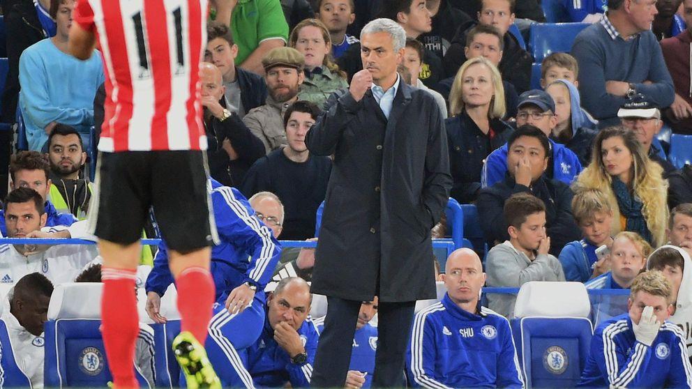 Mourinho, sancionado con un partido y 70.000 euros por conducta impropia