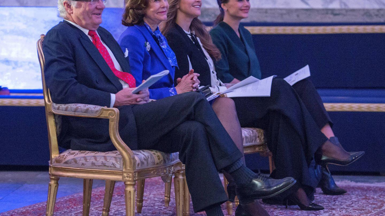 Carlos Gustavo, Silvia, Magdalena y Sofía Hellqvist. (Getty)