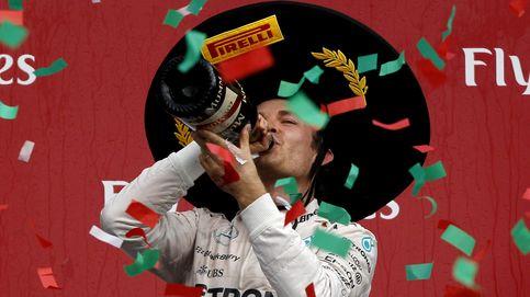 Hamilton obedeció y no atacó a Rosberg que ganó; Alonso, duró una vuelta