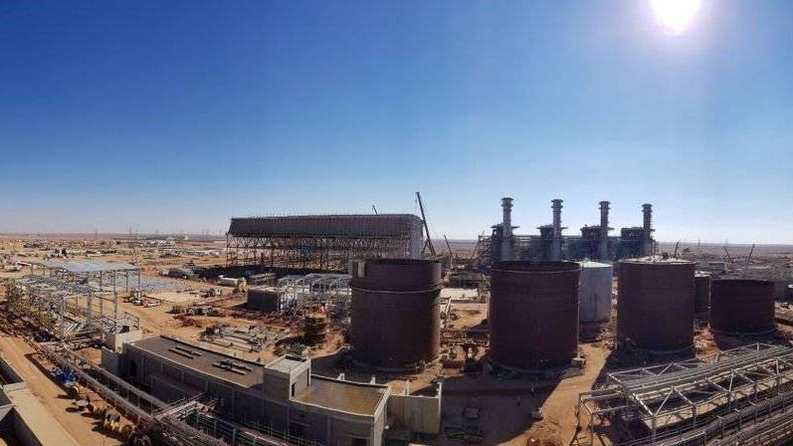 Foto: Obras de la central de Waad Al Shamal en Arabia. (Abengoa)